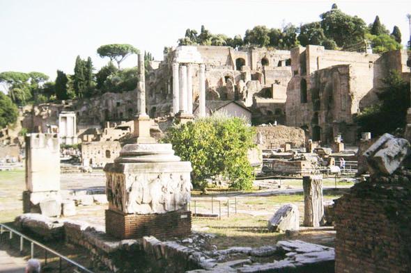 Римский форум – центр туристической жизни