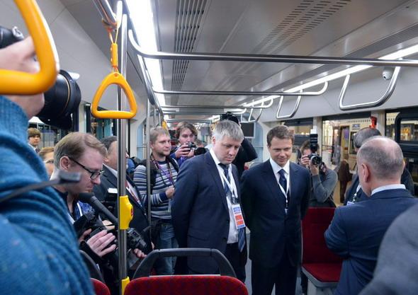 Ликсутов-внутри трамвая-Т