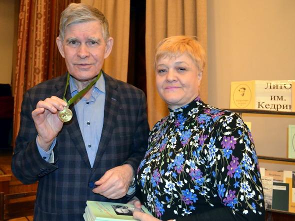 Петрунин с медалью - Т